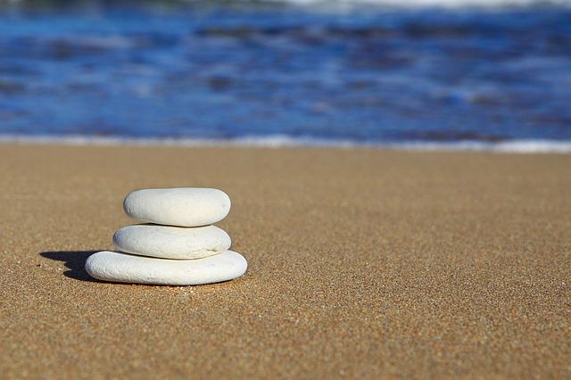 אבנים גדולות קודם
